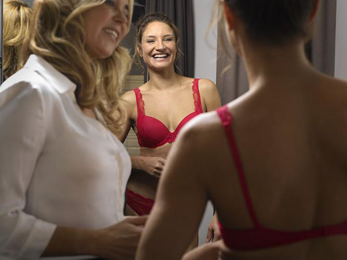 Professional Bra Fitters. Who Are They And What Is Their Skill?